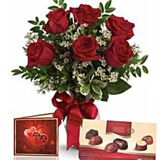 Half Dozen Roses With Chocolates: Rose Delivery in Australia