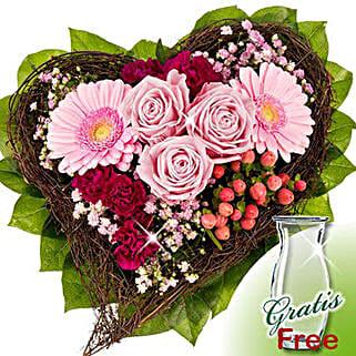 Flower Bouquet Herzenswunsch: Send Roses to Germany