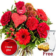 Ich Liebe Dich Flowers With Chocolates: Order Flowers in Germany