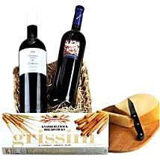 Romantic Wine Hamper: Send Gift Baskets to Germany