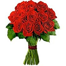 Carrera KWA: Valentine's Day Flower Delivery Kuwait