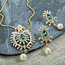 A Touch Of Green Pendant Set: Send Jewellery Gifts
