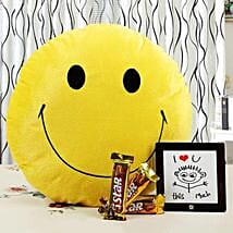 Brighten Up Your Love With Smile: Send Chocolates to Lucknow