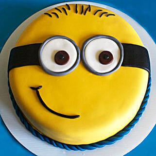 Cute Minion Cake: Cakes to Gurgaon
