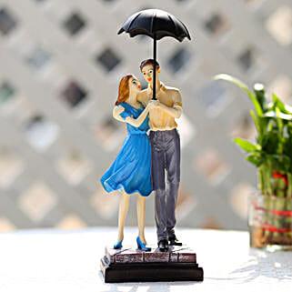 Cute Valentine Day Couple Showpiece: Send Gifts to Singrauli