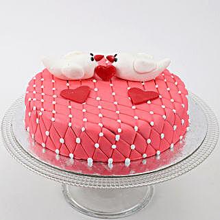Kissing Birds Cake: Birthday Butterscotch Cakes