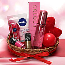 Love Being A Woman: Valentines Day Gift Hampers
