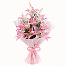 Luxurious Lillies: Anniversary Gifts to Lucknow