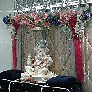 Mixed Flowers Ganpati Decoration: Temple Flower Decorations
