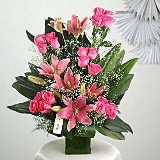 Pink Flowers Vase Arrangement: Wedding Gifts to Trichy