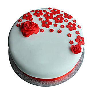 Red Roses Anniversary Fondant Cake: