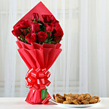 Red Roses Bouquet & 1 Kg Gujia Combo: Holi Sweets
