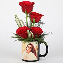Red Roses in Personalised Black Mug: Personalised gifts for birthday