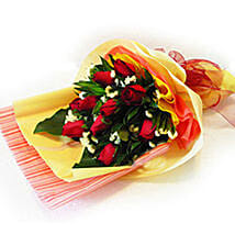 Enchanting Bouquet of Roses: New Year Gifts Delivery In Malaysia