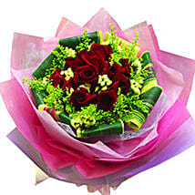 Mesmerising Roses Collection: Anniversary Gifts to Malaysia