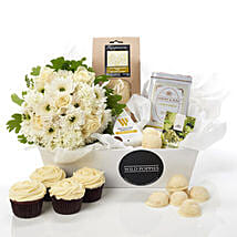 Fresh N Classy Hamper: Christmas Gifts Delivery In New Zealand