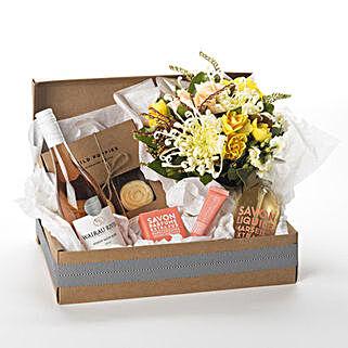 Pamper Her Gift Hamper: Send Flowers to Christchurch