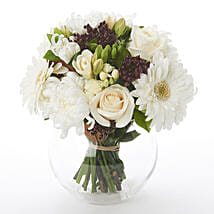 White N Green Posy: Funeral Flowers to New Zealand