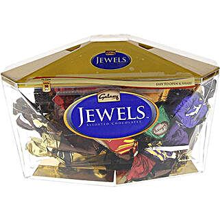 Galaxy Jewels Delight: Bhai Dooj Gifts to Qatar