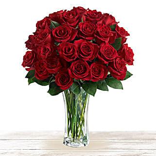 Majestic Red: Valentine Roses to Qatar