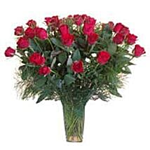 15 Red Roses in Glass Vase SA: Anniversary Gifts to South Africa