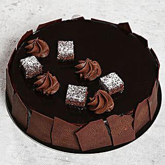 Chocolate Sponge Cake: Send Cakes to Ajman