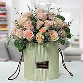 Serene Peach Roses Arrangement: Send Anniversary Gifts to UAE