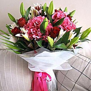 Timeless Beauty: Send Flowers to Ras Al Khaimah