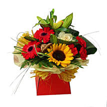 Expression of Elegance: Send Flowers to Leicester