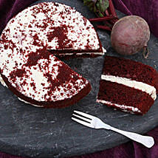 Red Velvet Sponge Cake: Birthday Gifts Delivery in UK