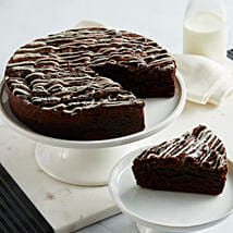 Cookies and Cream Brownie Cake: Send Anniversary Gifts to USA