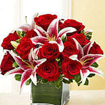 Red Rose and Lily Cube: Send Anniversary Flowers to USA