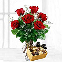 Six Red Roses With Chocolates: Birthday Gifts to Irvine